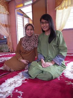 Zati dan Mama semasa Hari Raya Korban