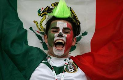[World+Cup+2010+Fans+Photos+8.jpg]