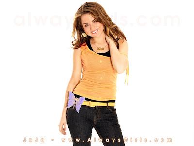 American Singer Joanna Noelle's WallPapers