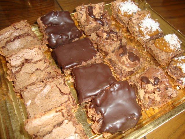 Baño Blanco Para Budines:de brownie, dulce de leche y crema de coco, decorada con corazones de