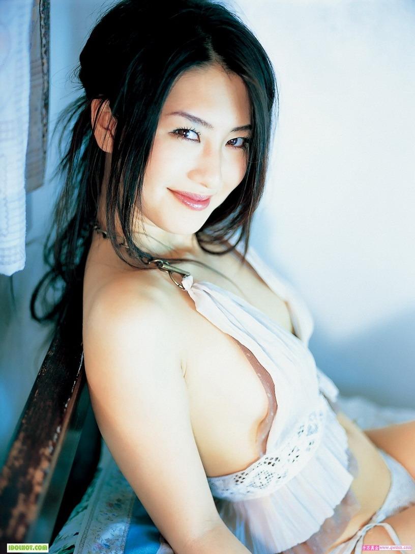Sexy Indonesian Girls | Sexy Girls: Reona Suzuki hot bikini Sexy ...