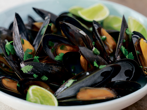 Hip Hostess: Beer-Steamed Mussels with Cilantro