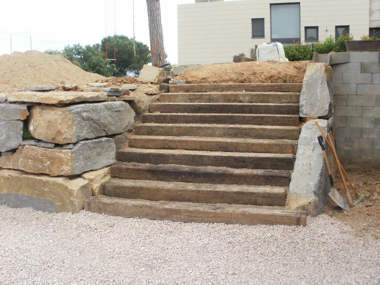 B y r excavaciones s l nuevos trabajos realizados muros de piedra natural - Muros de rocalla ...