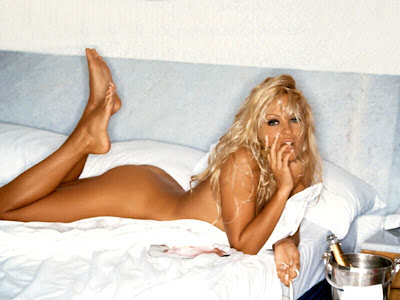 Pamela Anderson Gallery