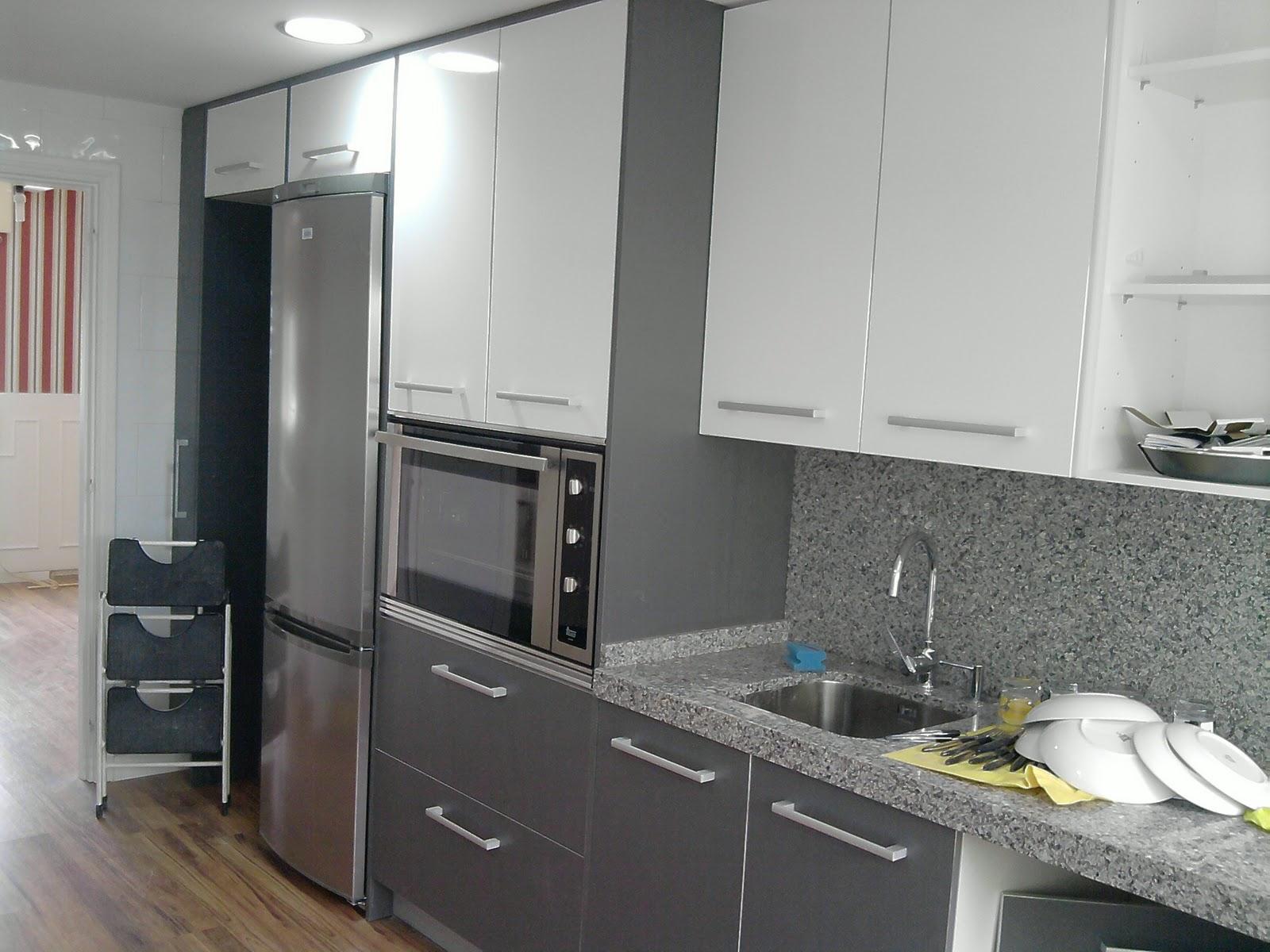 Cocinas fotos de cocinas Cocina blanca encimera granito negra
