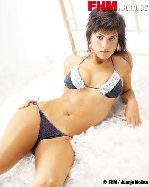 Nika y su bikini de piscina - 3 1