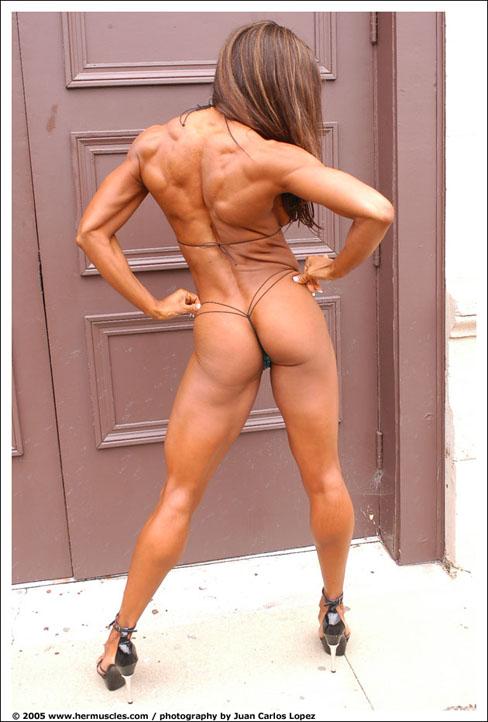 Alexis Ellis Female Muscle