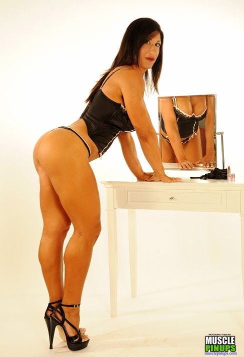 Fbb Legs http://worldwidebodybuilder.blogspot.com/2012/03/3-hot-images-of-elisa-costa.html