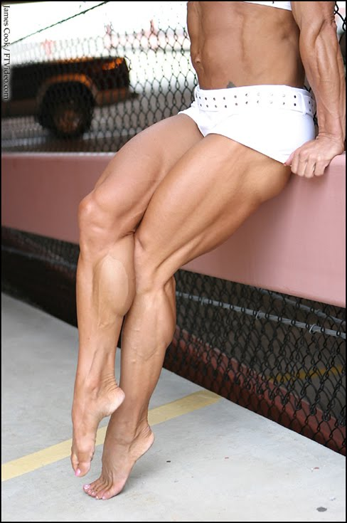 Amy Sibcy Female Bodybuilder Muscle Legs FTVideo