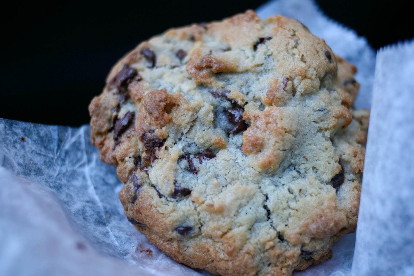 Une-deux senses: Levain Bakery {New York, NY}