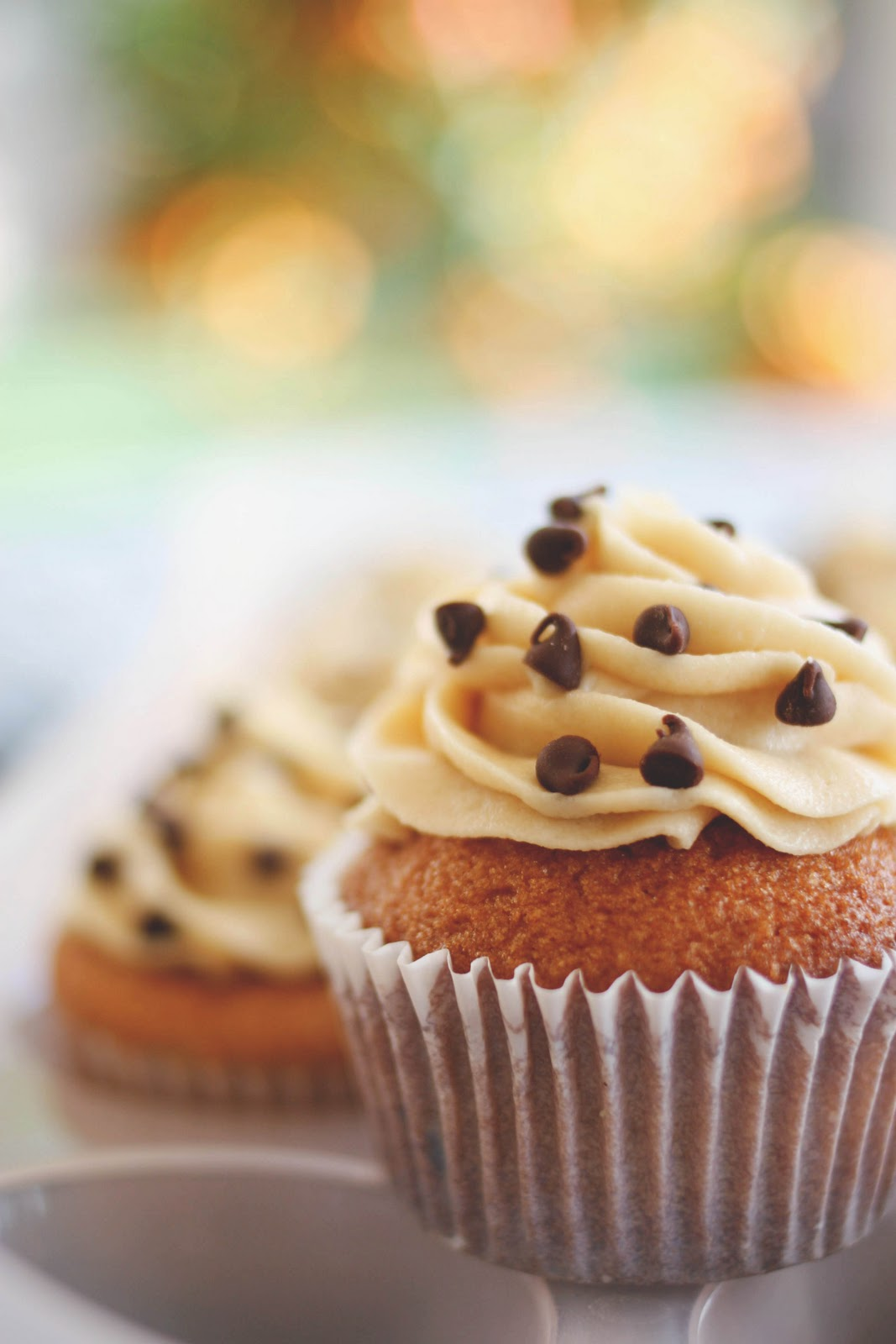 Une-deux senses: Chocolate Chip Cookie Cupcakes