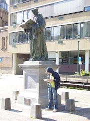 Zio Coco ed Erasmo intenti a leggere... (2008)