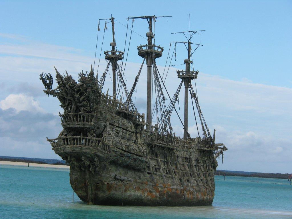 flying dutchman, kapal hantu hantu samudera, bajak laut terjenal kejam dan sadis, legenda perompak dunia