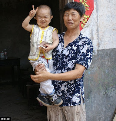 smallest man