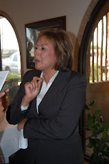 Susana Martinez With Reporter at Roberto's After Announcement