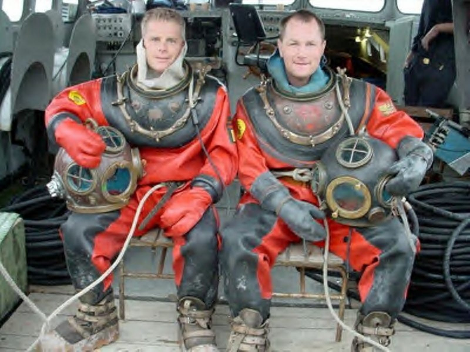 gay rubberist divers france ... of which amaze me,perhaps more for the