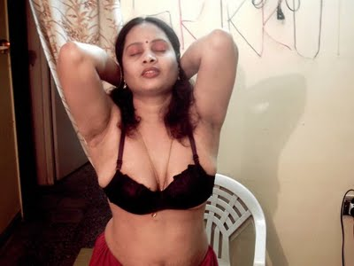 ... themselves in bra and panty very hot,sexy spicy masala indian aunties