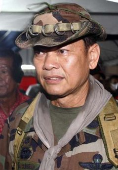 ICHEOKU, THE RED-SHIRTS BACKING THAI GENERAL DIES OF HIS WOUNDS!