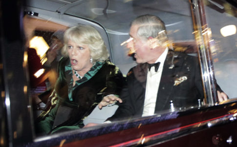 PRINCE CHARLES ATTACKED, A FUTURE KING HUMILIATED BY HIS FUTURE SUBJECTS!