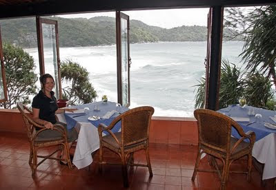 Mom Tris Kitchen with view to Kata Noi Beach