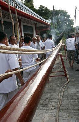 The Go Teng Pole