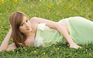 Wit Hmone Shwe Yee - 10 Wanita Cantik Asia Tenggara - www.iniunik.web.id
