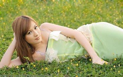Wit Mone Shwe Yi http://kumondra.com/wit-mone-shwe-yee-and-sai-sai/