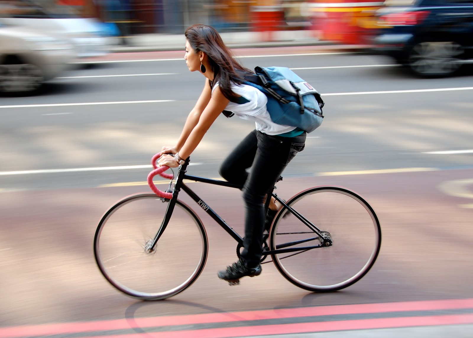 why people should ride a bicycle Why do people enjoy horse riding try it it's hard to describe i would have to say that anyone can ride a bike because it uses the same muscles that it takes to run and as to why people like it.