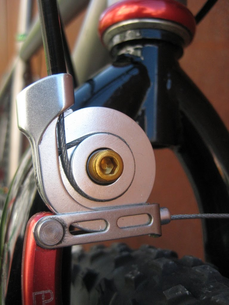 brico - BRICO: alternativa a las manetas de freno con corte de señal conservando las originales de tu bici. Img3085p