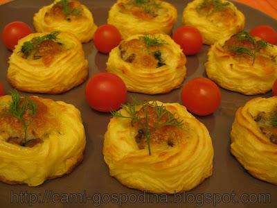 Cosulete din cartofi umplute cu ciuperci