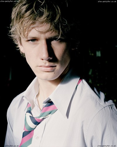 alex pettyfer picture. Labels: Alex Pettyfer