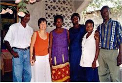 Marie Pierre FRESSOZ et les responsables de la coopérative de crédit du Limbé.