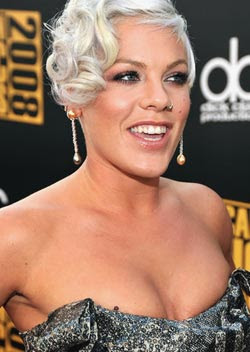 Singer Pink confesses to being bisexual