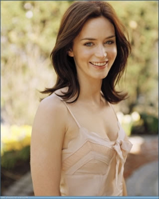 Emily Blunt To Marry