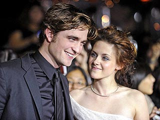 Pattinson-Stewart planning a secret wedding