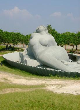 ശംഖുമുഖം കടല്ത്തീരത്ത്