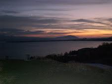 Atardecer en el lago Seván