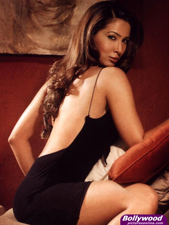 Kim Sharma - Picture Gallery