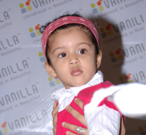actor suriya jyothika Daughter baby diya photo image gallery stills