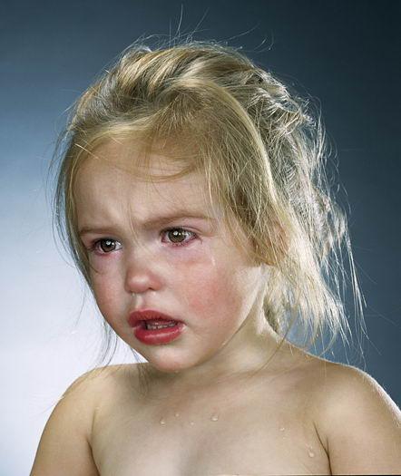 ver sad cute baby girl boy crying photos 05