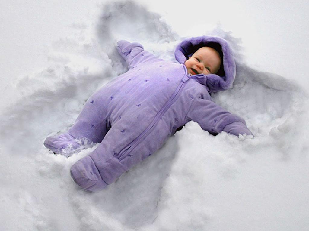 http://4.bp.blogspot.com/_Bopl9F3NAcM/TJBtmsuCM1I/AAAAAAAAB2E/ptlButFe27s/s1600/baby-boy-sleepin-in-snow-wallpaper.jpg