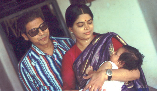 Actor Srikanth baby boy with mother and father photo