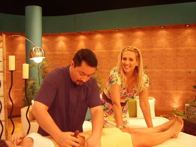 ENTREVISTA PROGRAMA HOLA A TODOS, CANAL ATV LIMA PERÚ 2010