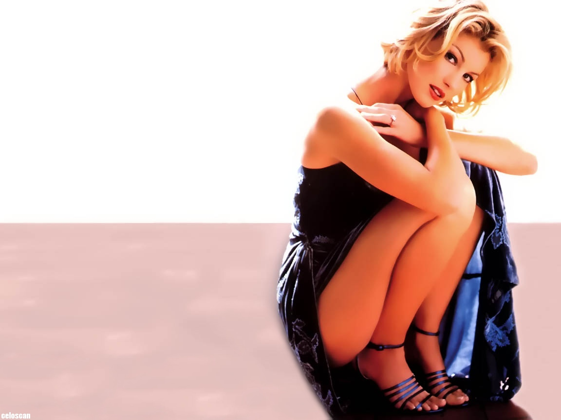 Sexy pictures of faith hill