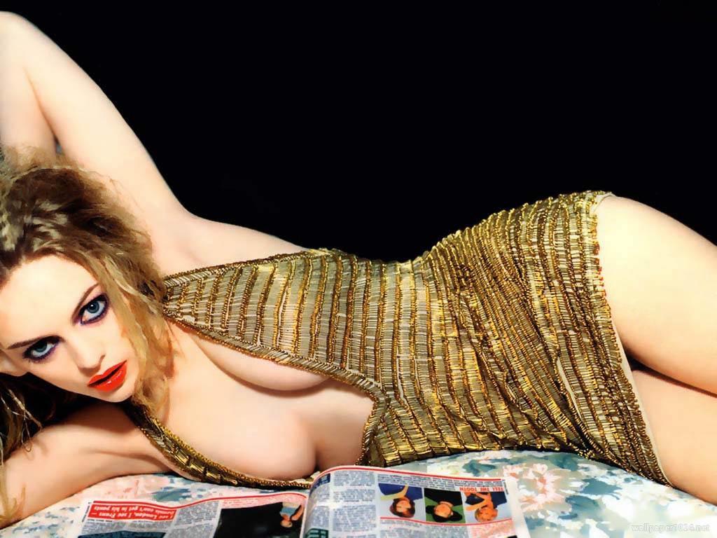 http://4.bp.blogspot.com/_BpAoKRSdVjQ/TKyOd-yGyXI/AAAAAAAABz0/8zA-g-lQ2fc/s1600/Heather-Graham-celebrity.jpg