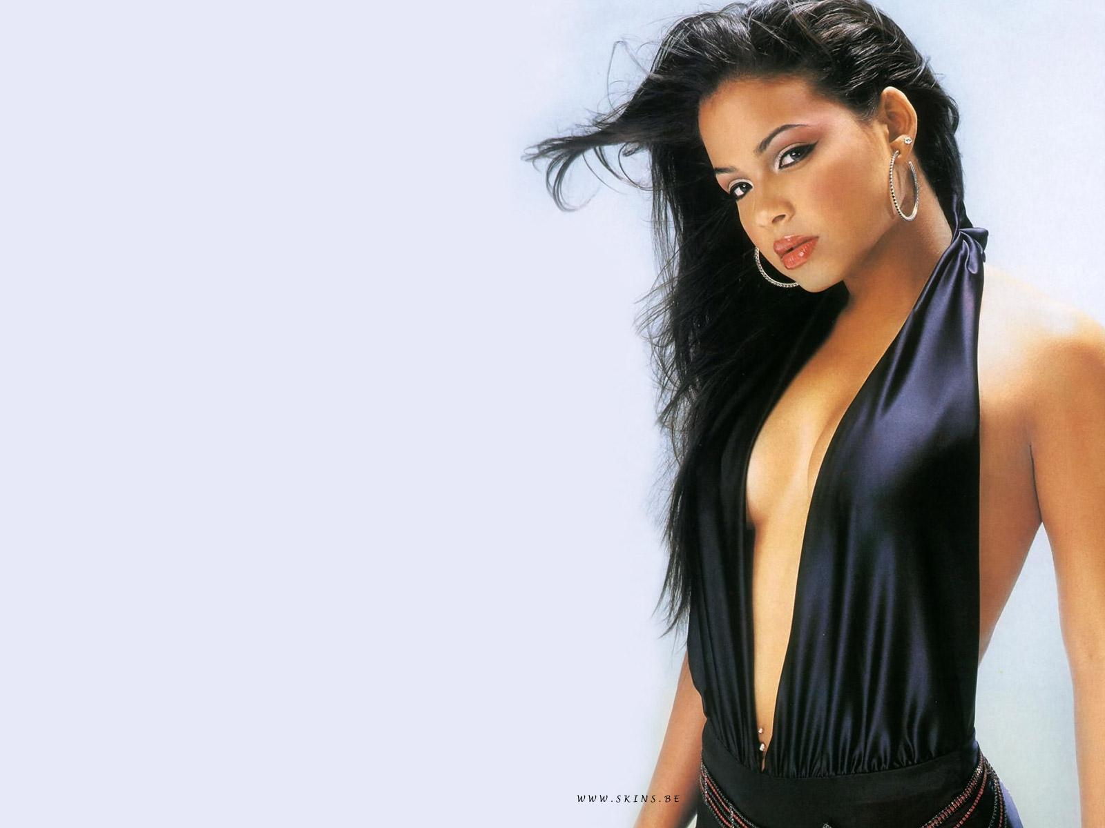 http://4.bp.blogspot.com/_BpAoKRSdVjQ/TOFaJC7I68I/AAAAAAAACys/YAzxaVFK67A/s1600/Christina-Milian-celeb.jpg