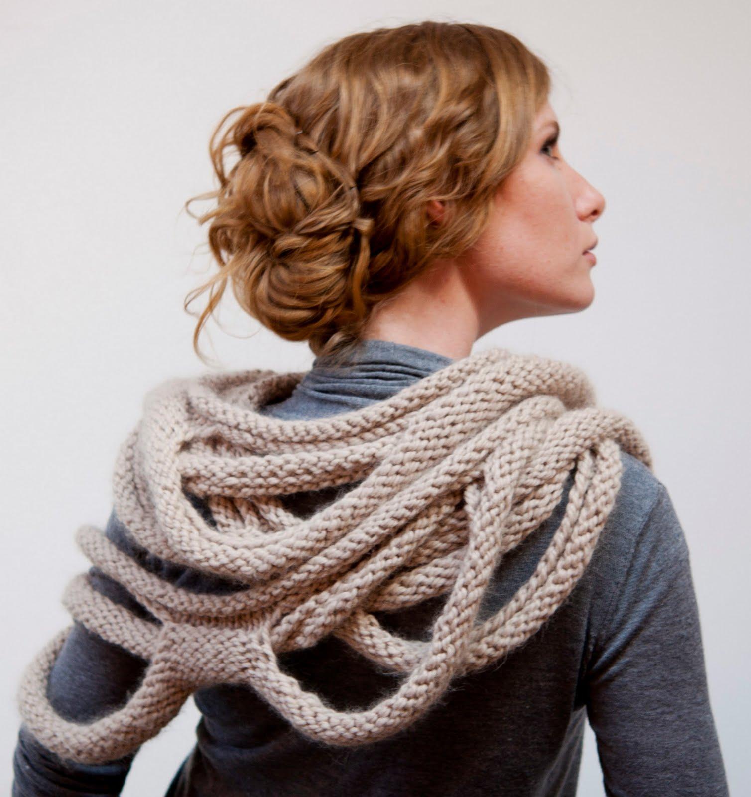 Simple Knitting Patterns For Kids : Ruby Submarine: Medusa Loop Scarf Knitting Pattern