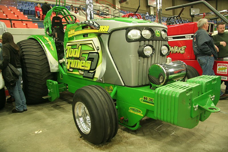 Pulling Tractors For Sale >> Tractor Pulling News Pullingworld Com Pulling Trip To Tractor