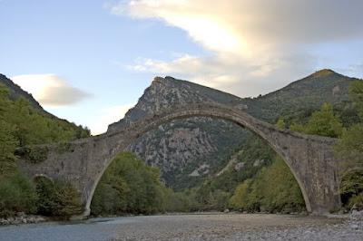 γεφύρι πλάκας