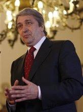 Estou aqui para garantir aos Portugueses que esta merda toda não vai dar nada  Pinocrates safa-se